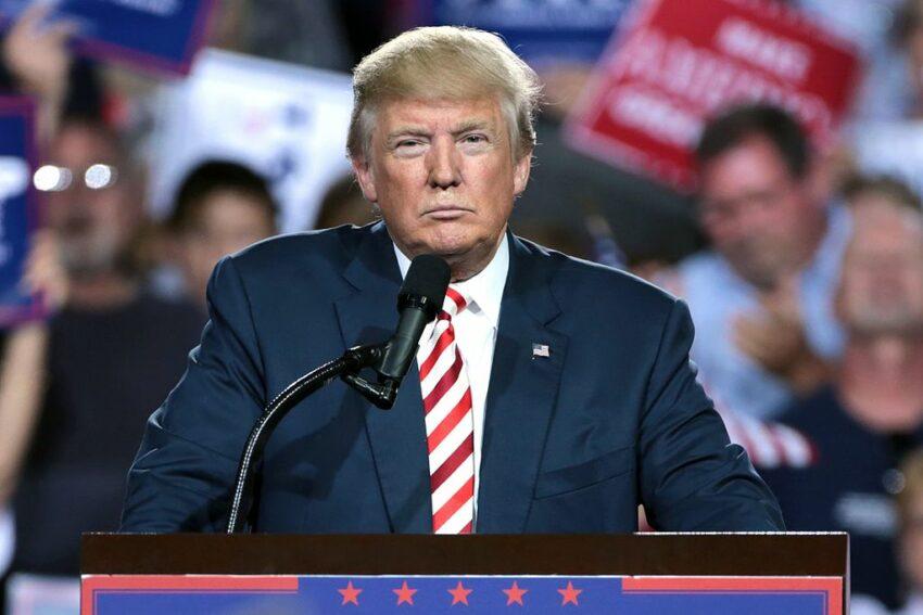Nach Gustave Le Bon ist die Masse ein eigenes Wesen. Der Demagoge Trump hat sie fest im Griff.